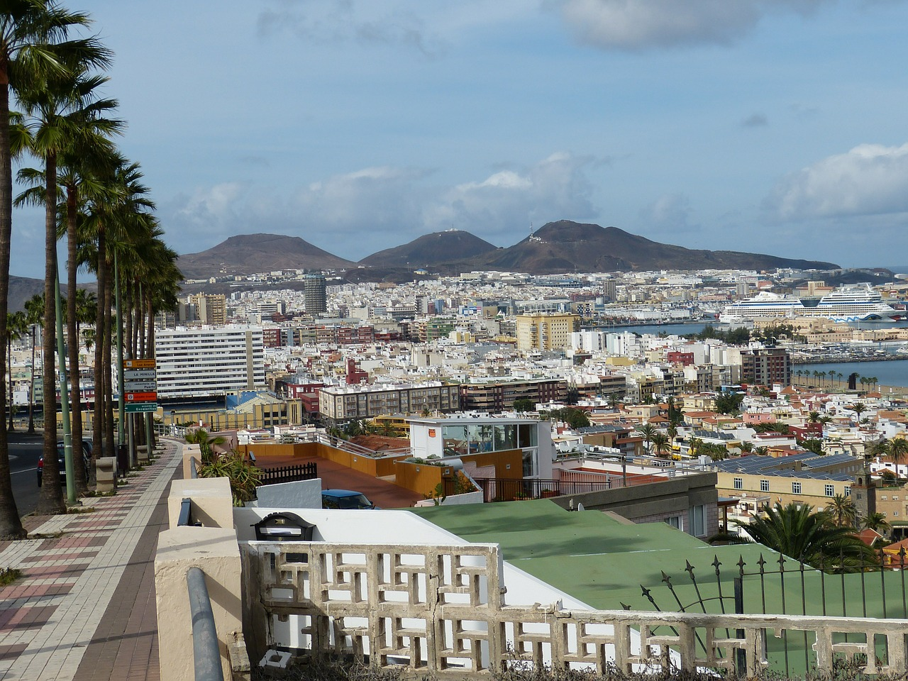 Seasons in the Canary Islands: Weather and Climate